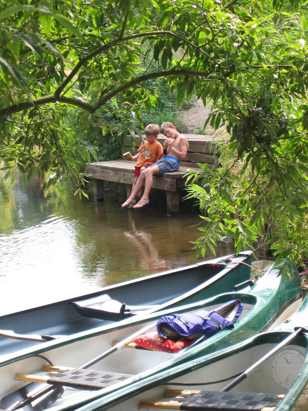 Fun in the canoe for children in the summer